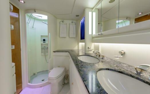 Sailing Yacht Scorpius washroom