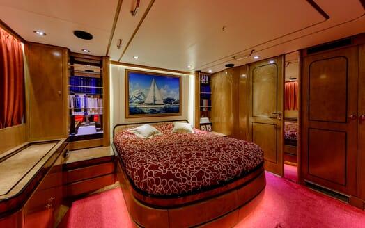 Sailing Yacht Scorpius VIP cabin