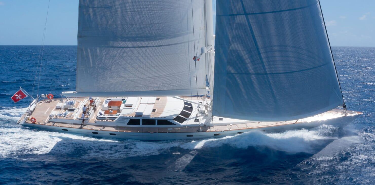 Sailing Yacht Cavallo sailing
