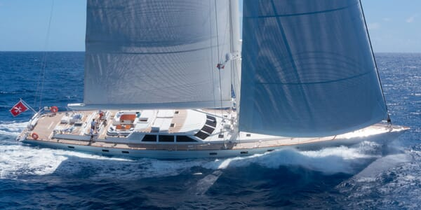 Sailing Yacht Cavallo sailing