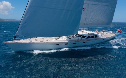 Sailing Yacht Cavallo cruising
