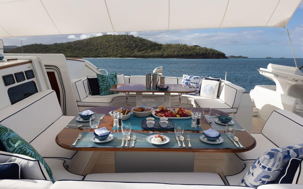 Sailing Yacht Cavallo side deck