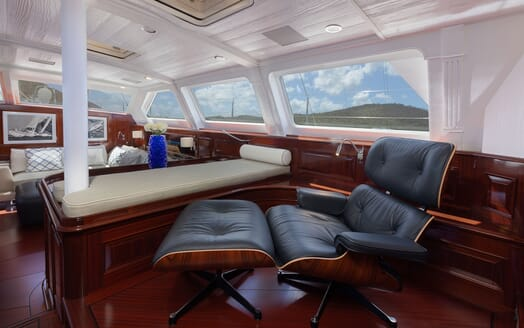 Sailing Yacht Cavallo dining area
