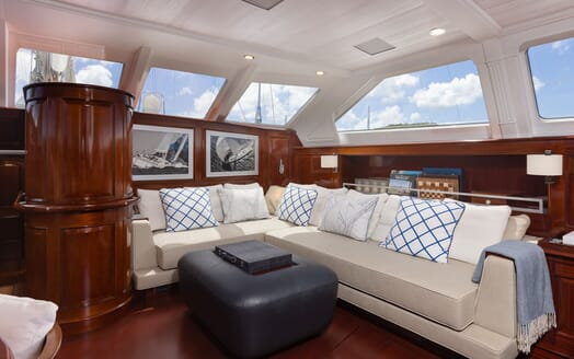 Sailing Yacht Cavallo saloon
