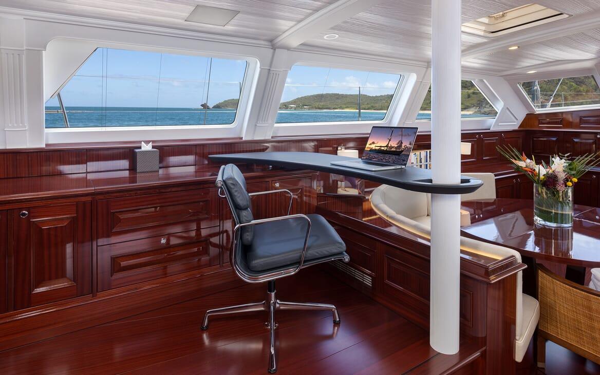 Sailing Yacht Cavallo double cabin