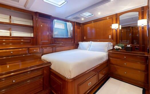 Sailing Yacht Cavallo twin cabin