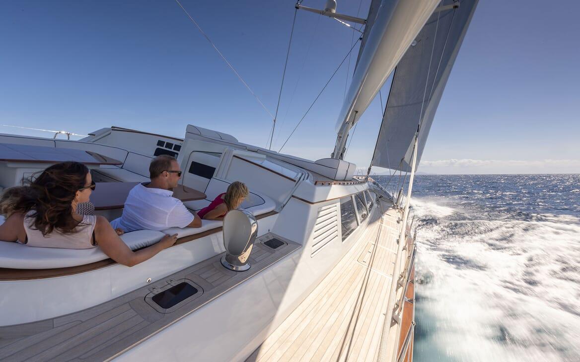 Sailing Yacht Cavallo foredeck