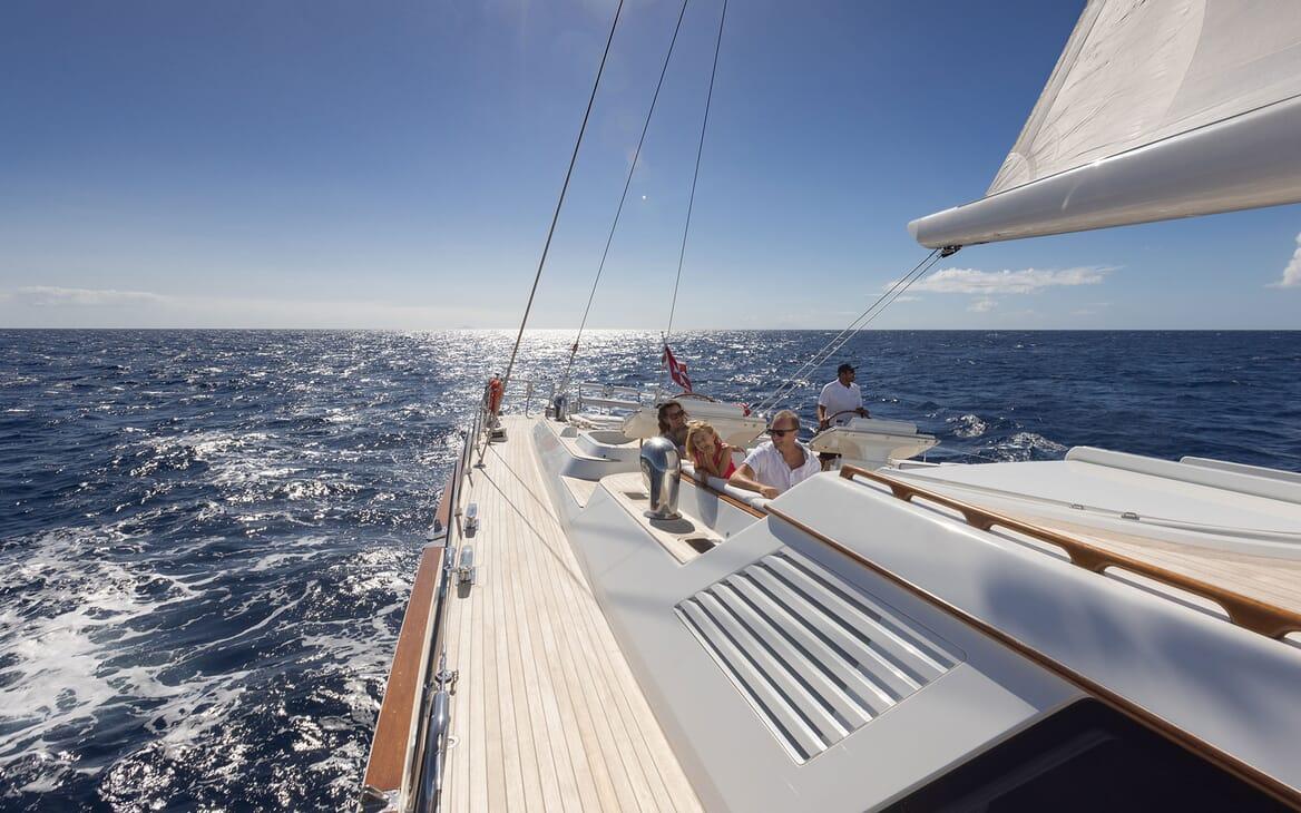 Sailing Yacht Cavallo al fresco dining