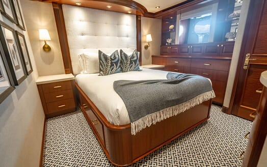 Motor Yacht RISK & REWARD First Guest Double Stateroom