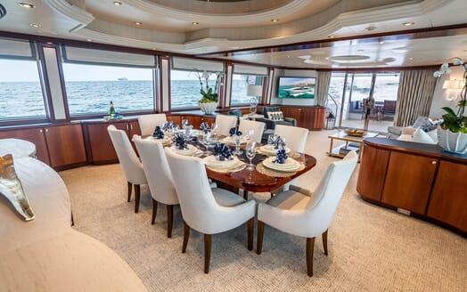 Motor Yacht RISK & REWARD Main Deck Dining Table