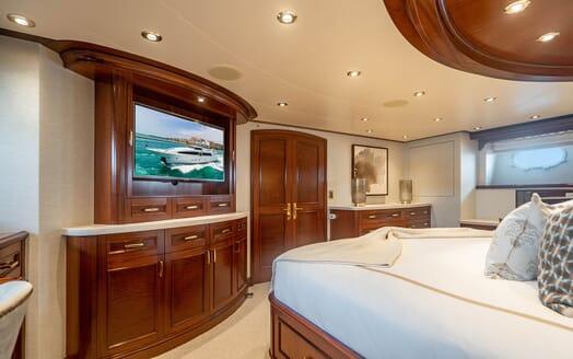 Motor Yacht RISK & REWARD Master Stateroom TV