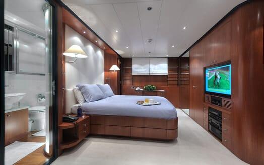 Motor Yacht Carom twin cabin