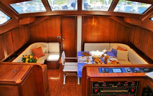 Sailing Yacht CAMILLA OF LONDON Main Saloon