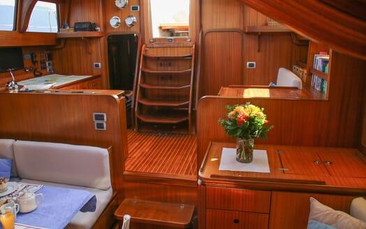 Sailing Yacht CAMILLA OF LONDON Steps
