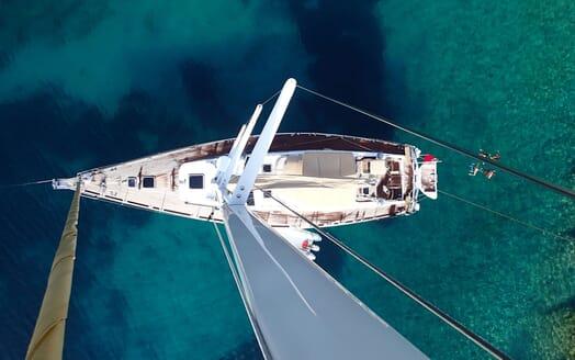 Sailing Yacht CAMILLA OF LONDON Mast Down